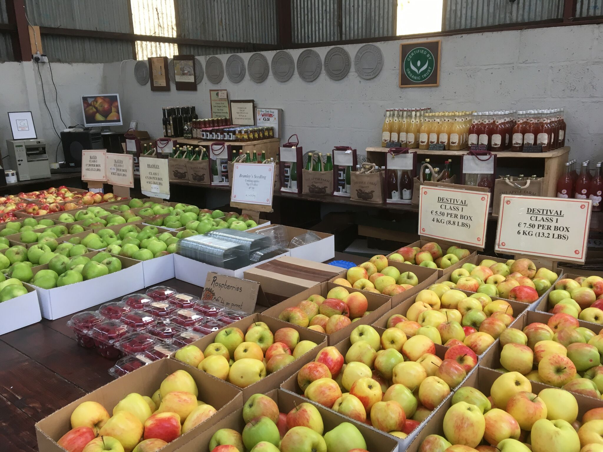 apple farm shop